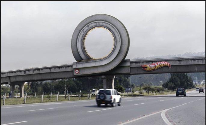 Great Marketing Communication. Hot Wheels - Columbia